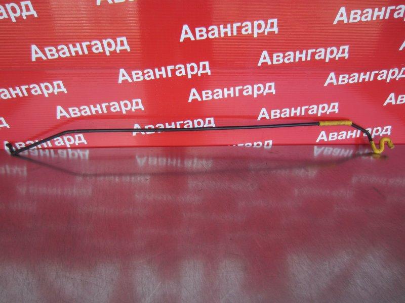Стойка капота Skoda Rapid 2014