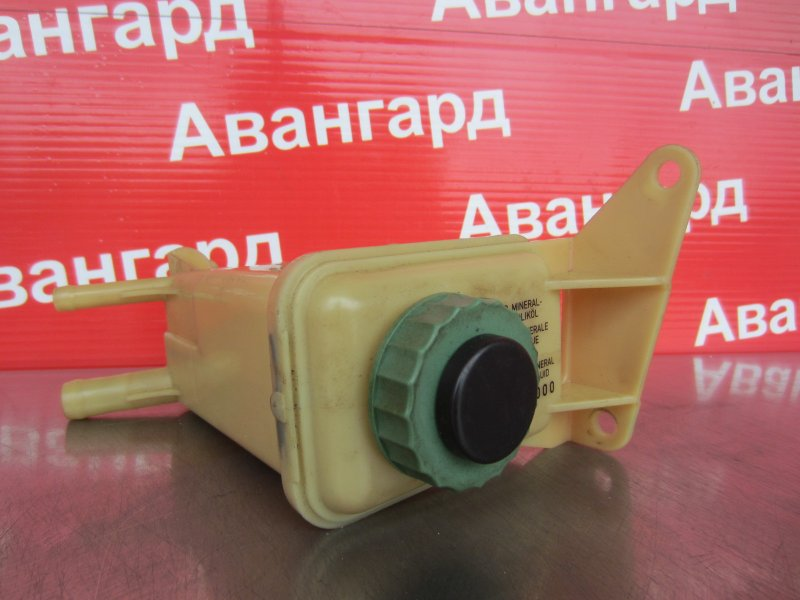 Бачок гур Audi A4 8D2 ADP 1997