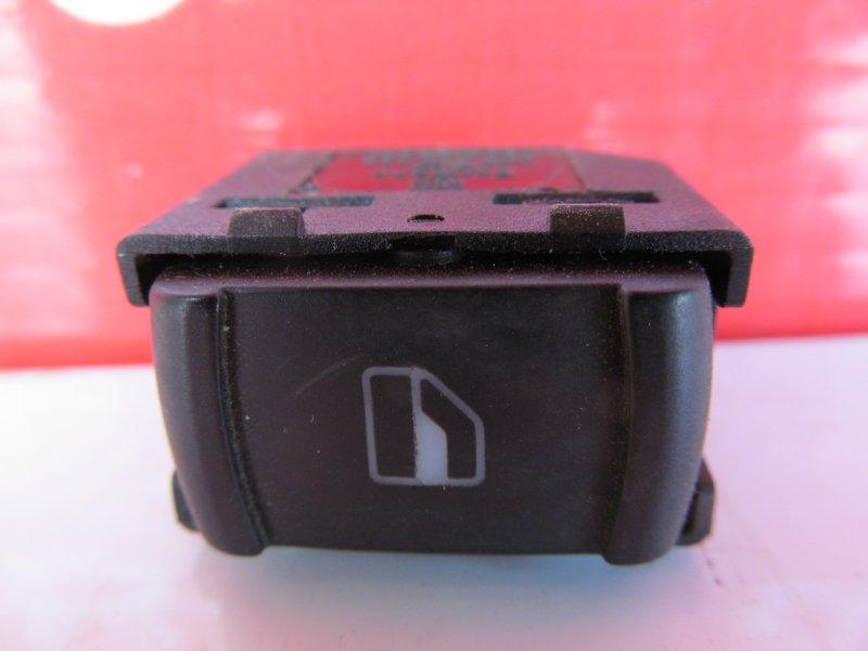 Кнопка стеклоподъёмника Volkswagen Passat B5