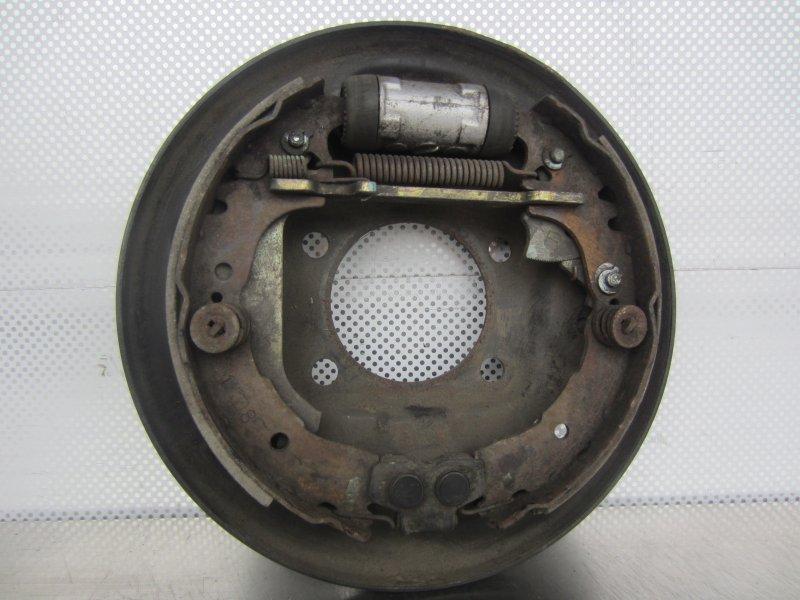 Тормозной щит Toyota Vitz Scp10 правый