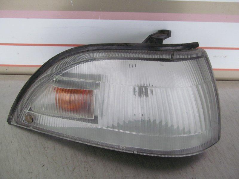 Подфарник Toyota Corolla 90 AE95 правый