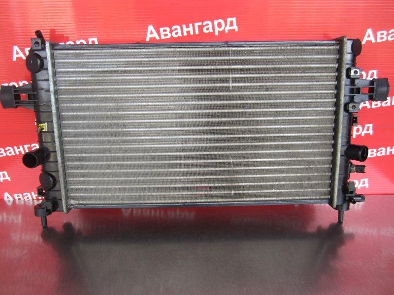 Радиатор охлаждения Opel Astra H GTC Z18XER 2006