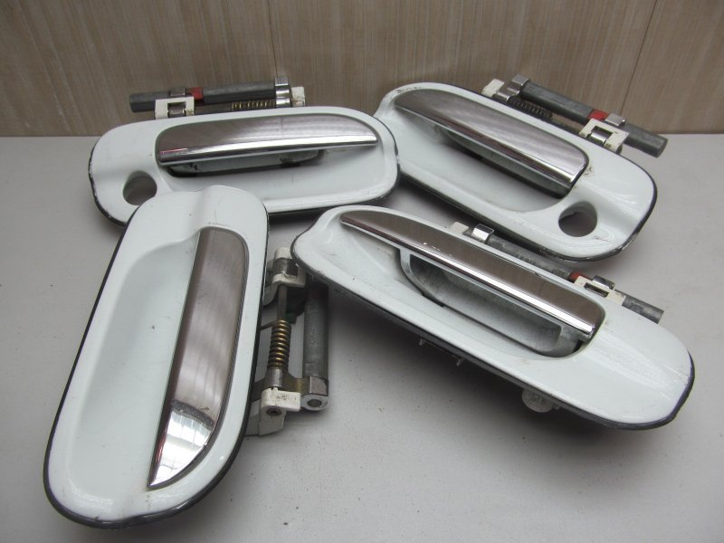 Ручка двери наружная Nissan Sunny B15 2000