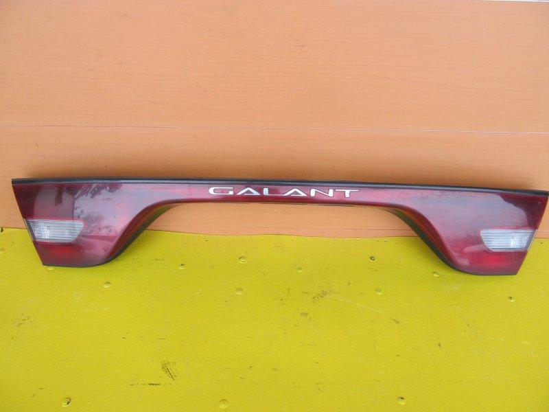 Накладка крышки багажника Mitsubishi Galant 7 1993