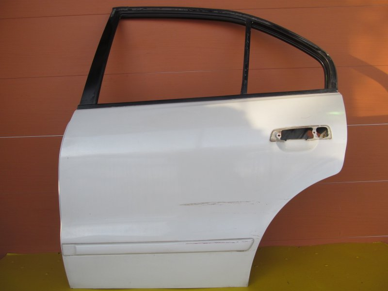 Дверь Mitsubishi Galant 8 2000 задняя левая