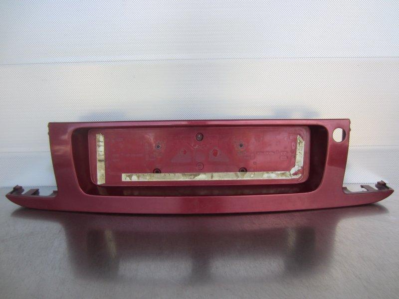 Накладка крышки багажника Mazda 626Ge 1996
