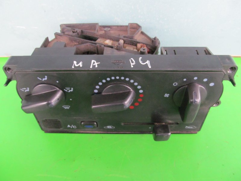 Блок управления печкой Nissan March K11 1998