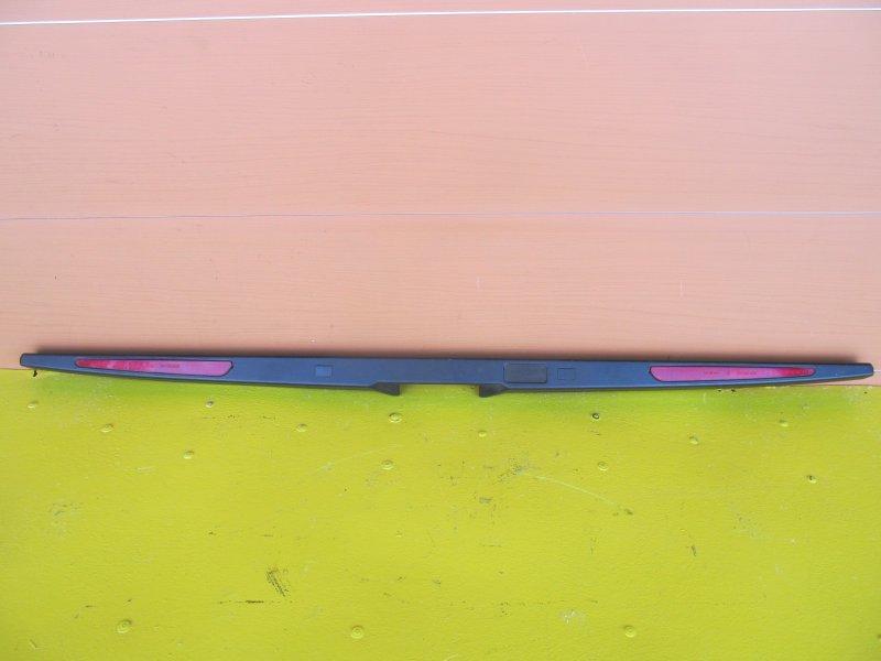 Накладка крышки багажника Bmw E53 2001