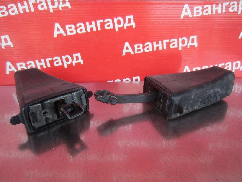 Ограничитель двери Bmw E60 N52B30 2006 задний