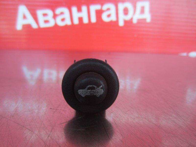 Кнопка открывания багажника Chrysler Sebring Jr 2001