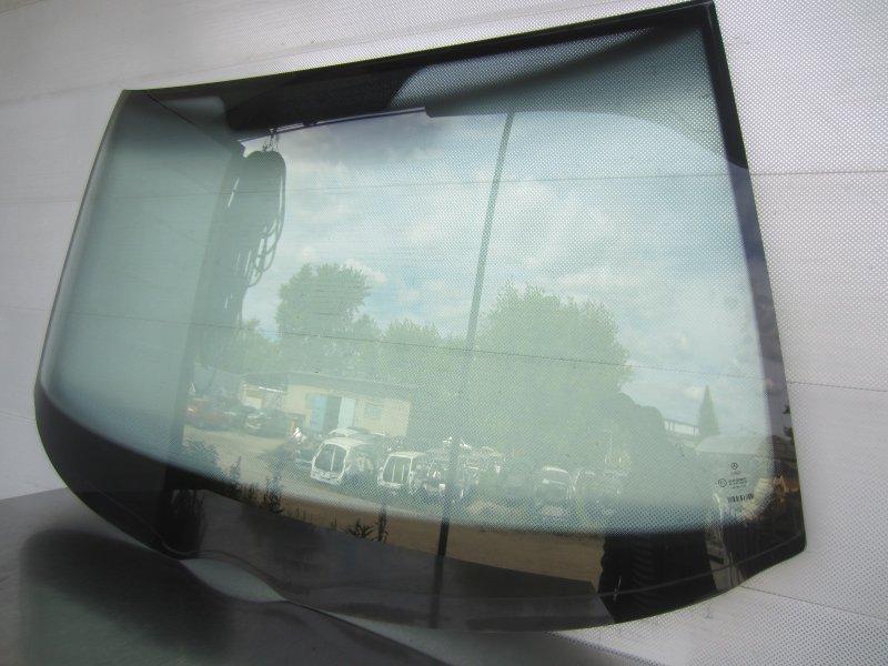 Стекло лобовое Mercedes-Benz W210 1997 переднее