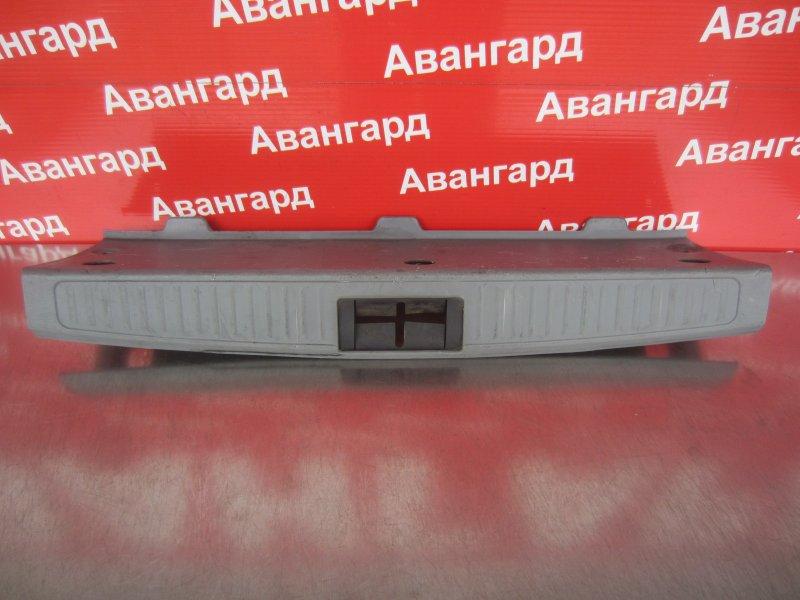 Накладка порога багажника Kia Rio Dc УНИВЕРСАЛ 2004 задняя