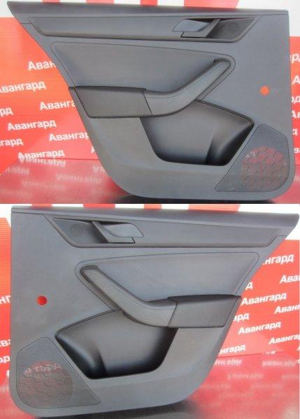 Обшивка двери Skoda Rapid 2014 задняя