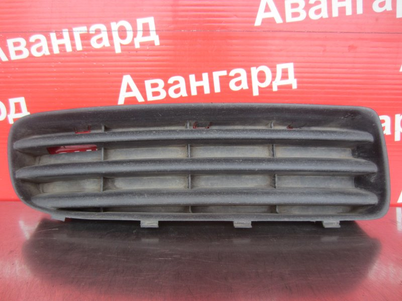 Решетка бампера Skoda Octavia A4 2002 передняя правая