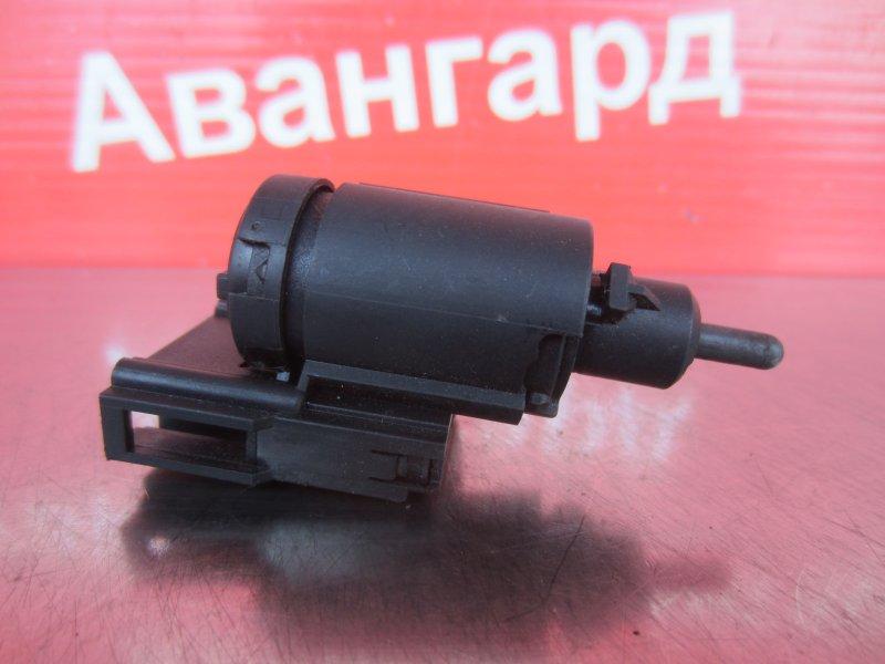 Концевик педали тормоза Skoda Octavia A4 AKL 2002