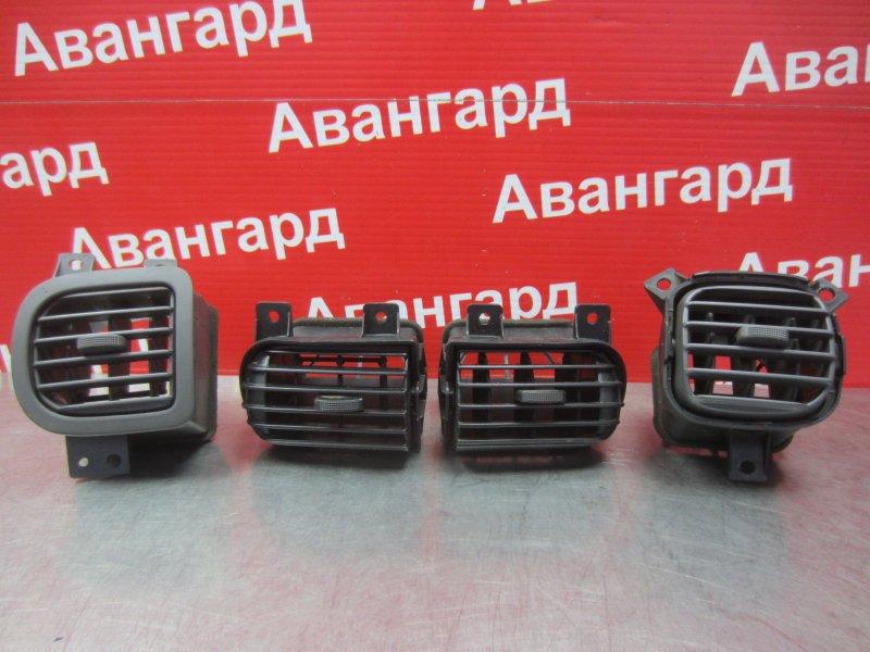 Дефлектор Nissan Sunny B15 2000