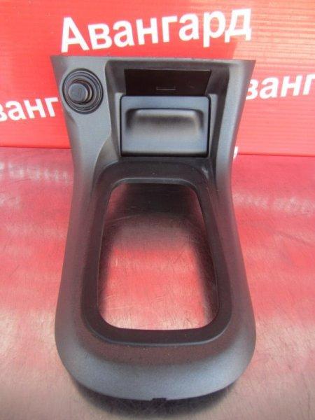 Накладка торпедо Nissan Sunny B15 2000