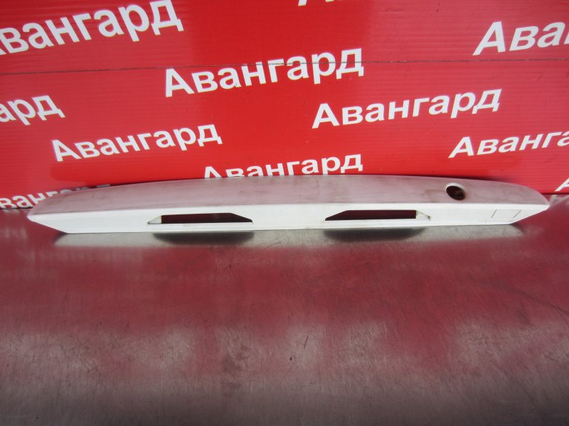 Накладка крышки багажника Mazda Familia Bj GF-BJ3P B3 2000
