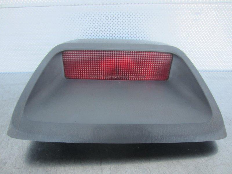 Дополнительный стоп сигнал Mazda Familia Bj B3 2000