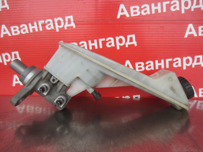 Главный тормозной цилиндр Chevrolet Aveo T300 F16D4 2012