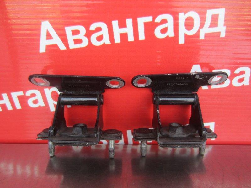 Кронштейн крышки багажника Jeep Compass Mk 2006