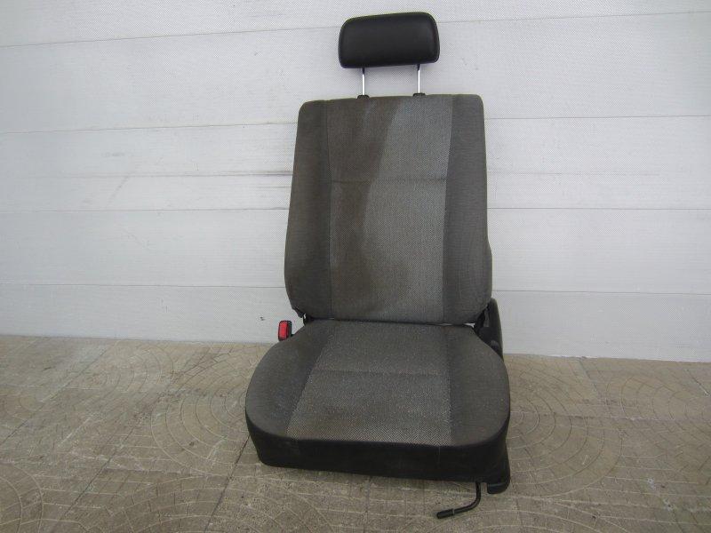 Сиденье Toyota Caldina 190 переднее левое