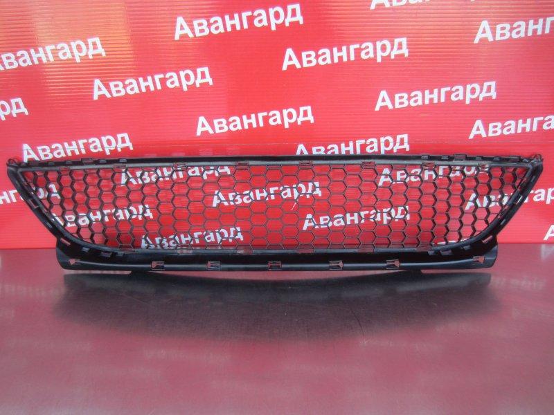 Решетка бампера Renault Logan 2010 передняя