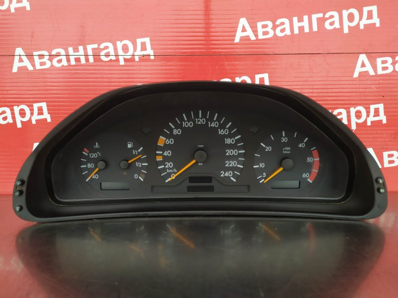 Щиток приборов Mercedes-Benz W210 M611 1998