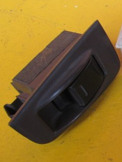 Кнопка стеклоподъёмника Toyota Vista Sv30 1993 задняя