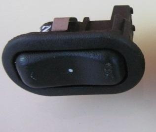 Кнопка стеклоподъёмника Opel Astra G 2002
