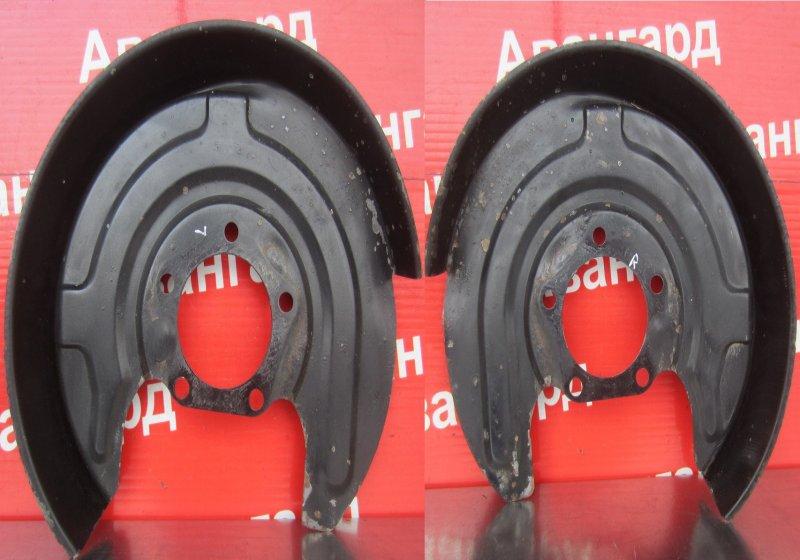 Пыльник тормозного диска Volkswagen Passat B5 3B5 ARM 1999 задний