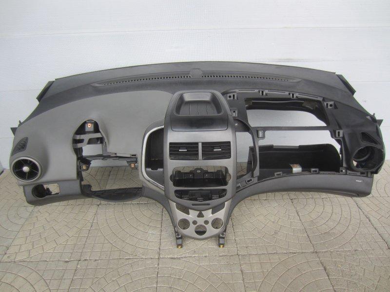 Торпедо Chevrolet Aveo T300 2012