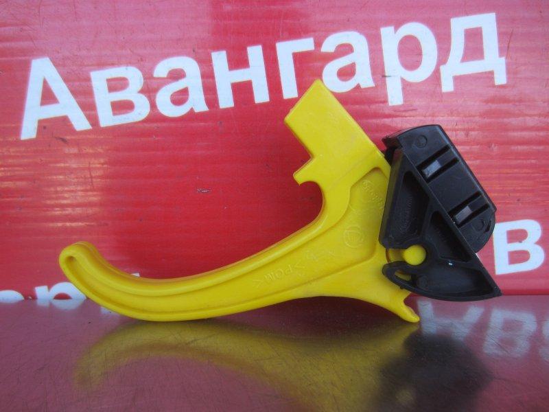 Рычаг открывания капота Fiat Albea 2011