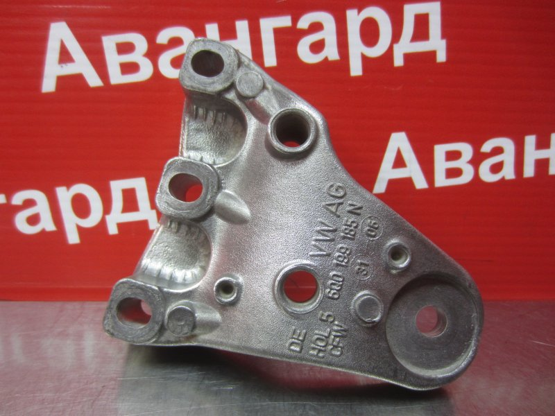 Кронштейн опоры двигателя Volkswagen Polo Mk4 9N3 BUD 2006 правый