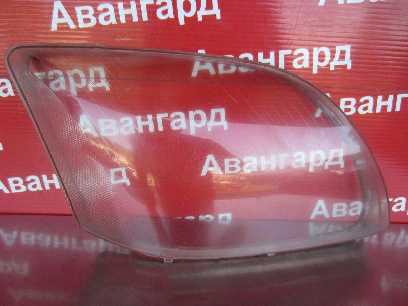 Стекло фары Toyota Avensis T250 2005