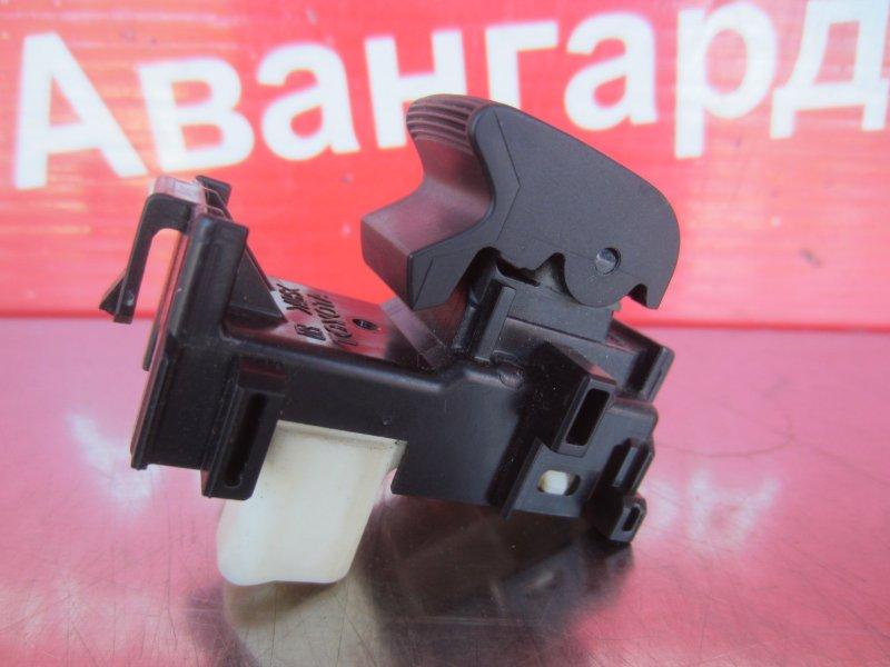 Кнопка стеклоподъёмника Toyota Corolla 150 1ZR-FE 2007 передняя правая