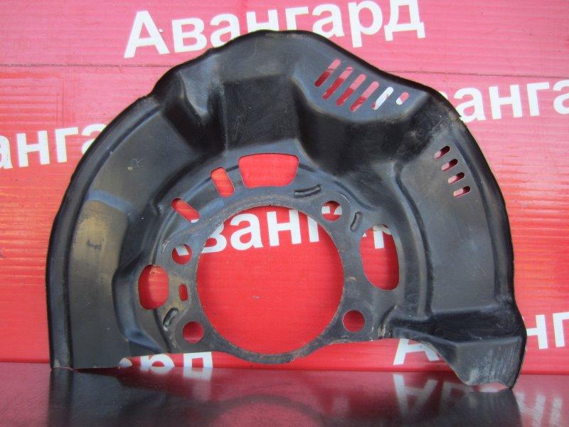 Пыльник тормозного диска Toyota Corolla 150 1ZR-FE 2007 передний правый