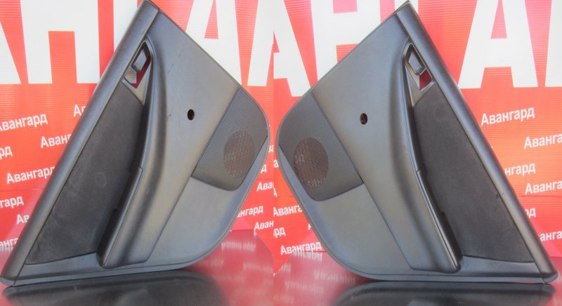 Обшивка двери Toyota Corolla 120 ZZE121 3ZZ-FE 2004 задняя