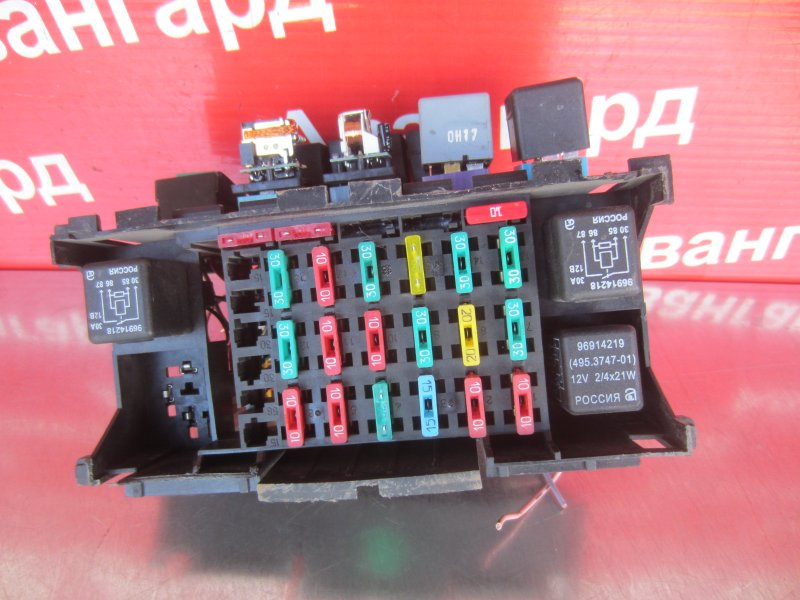 Блок предохранителей Daewoo Nexia F16D3 2012