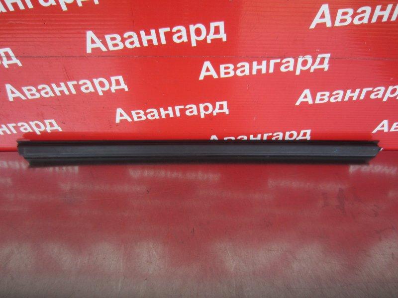 Уплотнитель стекла двери Bmw E65 N62B44 2004 задний левый