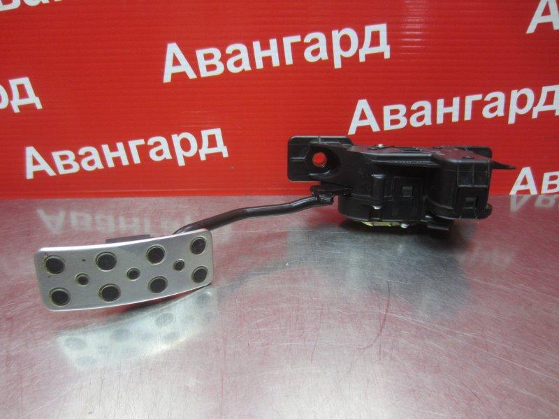 Педаль газа Mitsubishi Grandis DBA-NA4W 4G69 2006
