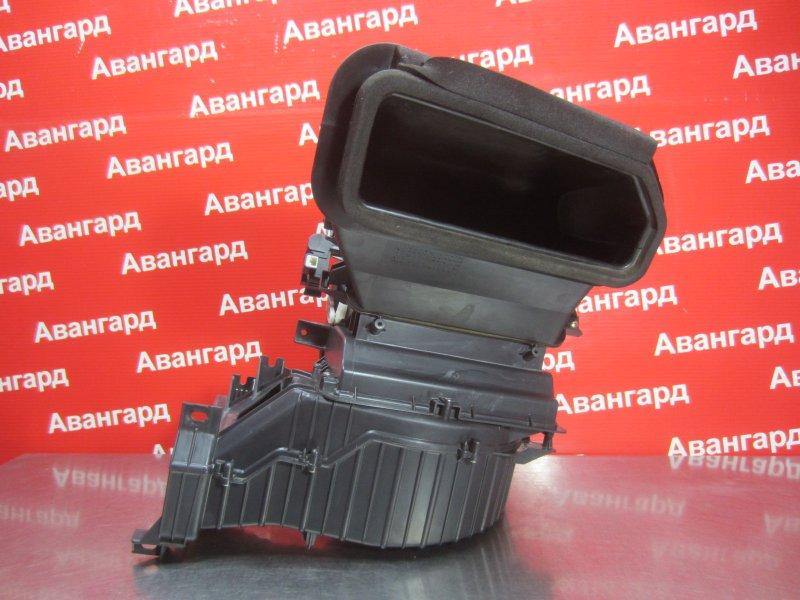 Корпус печки Mitsubishi Grandis DBA-NA4W 4G69 2006 передний