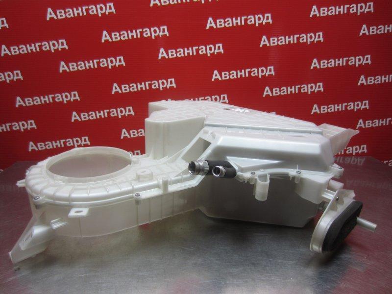 Корпус печки Mitsubishi Grandis DBA-NA4W 4G69 2006 задний