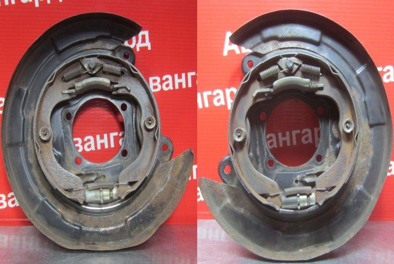 Колодки ручника Mitsubishi Grandis DBA-NA4W 4G69 2006 задние