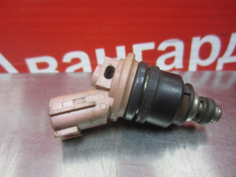Форсунка топливная Nissan Pulsar N15 GA16DE 1998