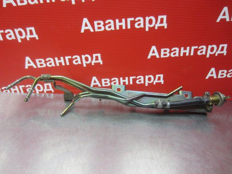 Топливная рампа Nissan Bluebird Sylphy G10 QG18DE 2003