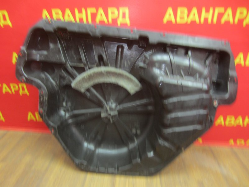 Ниша запасного колеса Renault Megane 2 K4J 2004