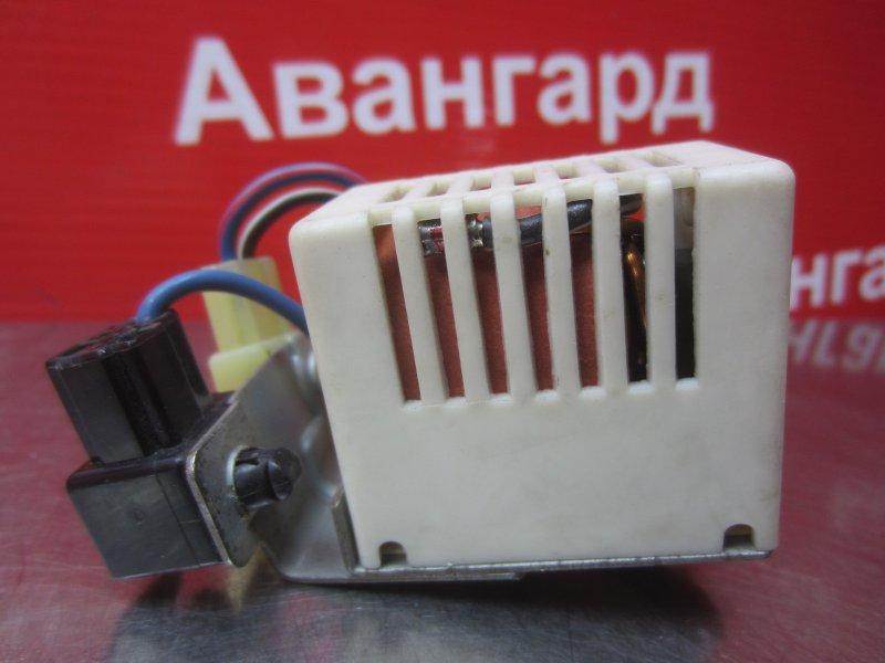 Электронный блок обогрева стекла Mitsubishi Diamante F31A 6G73 1996