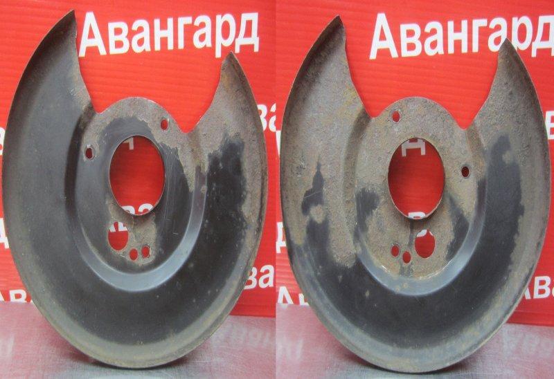 Пыльник тормозного диска Nissan Primera P11 SR20DE 1998 задний