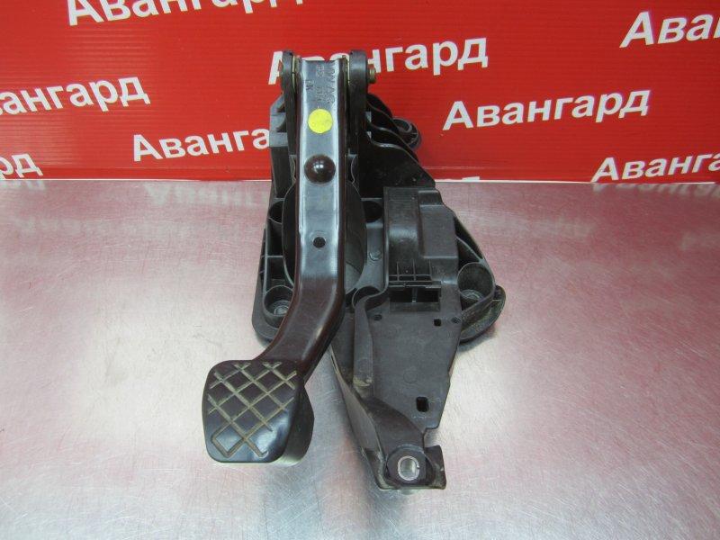 Педаль тормоза Skoda Rapid CGP 2014